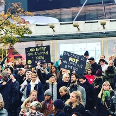 From the manifestation in Stockholm City. Photograph by Emilia Otterstam (source: www.minnen.se)